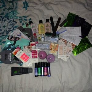 Other - BRAND NEW Assorted Cosmetic Spa Day Accesories